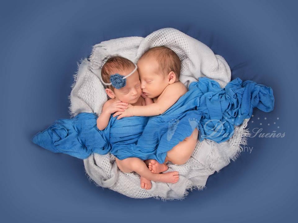 Fotografia gemelos bebe y Recien nacido en Zaragoza. Yolanda Velilla