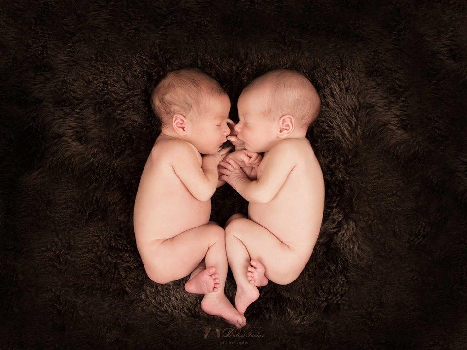 Fotografia gemelos, bebe y Recien nacido en Zaragoza. Yolanda Velilla